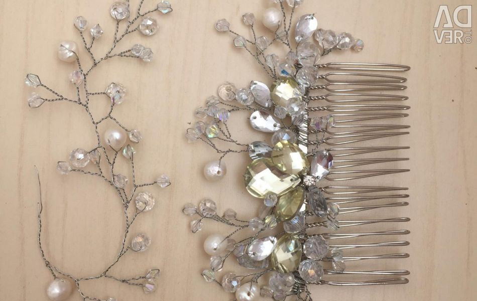 Decoration in hair comb