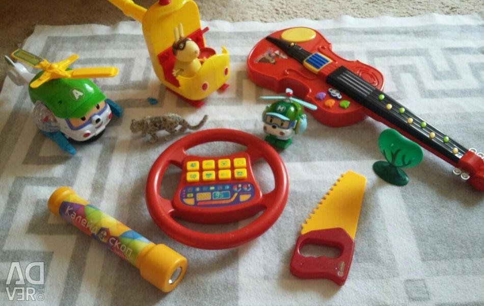 Дитячі іграшки пакетом