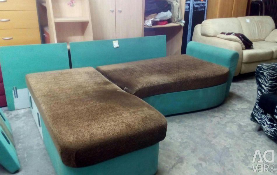 Угловой диван Изумруд