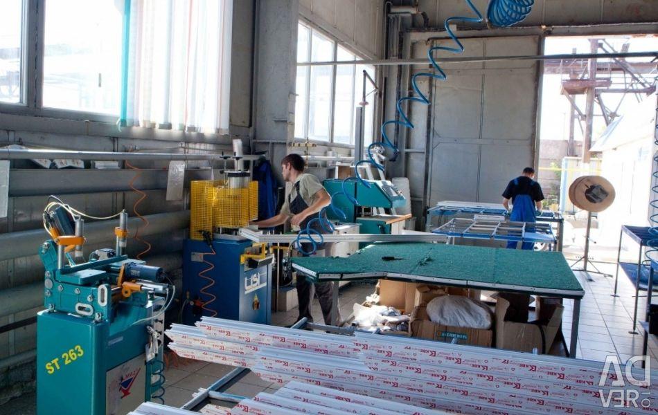 Linia de producție a ferestrelor din PVC (până la 15 bucăți pe zi)