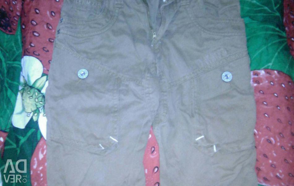 Shorts pentru un băiat de 9-10 ani