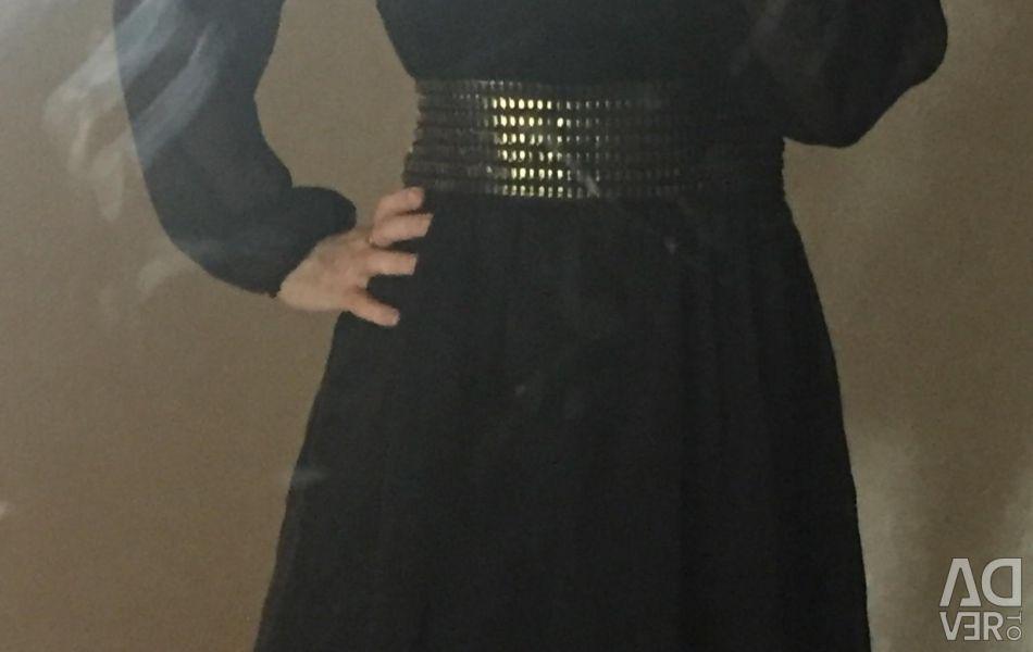 Πώληση ενός νέου φόρεμα (εκκαθάριση ενός καταστήματος)