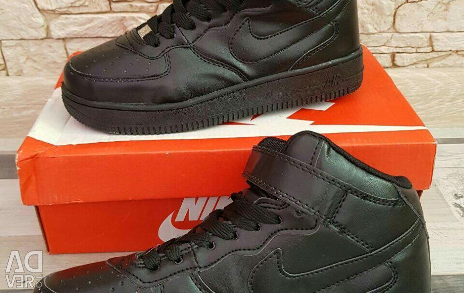 Nike adidasi noua dimensiune 36 - 41