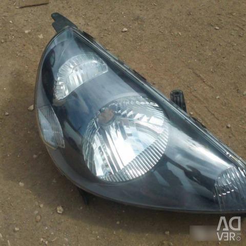 Headlight right halogen Honda Fit