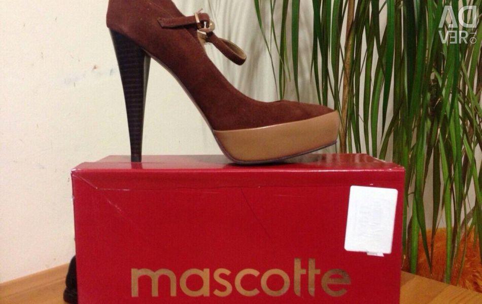 Women's shoes Nat. leather mascotte p 38-39