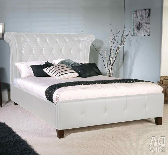 Retro bed with White PU 160x200