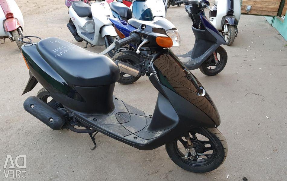 Scooter Suzuki Lets2