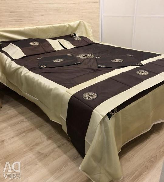 Set for bedspreads with pillowcases for bed