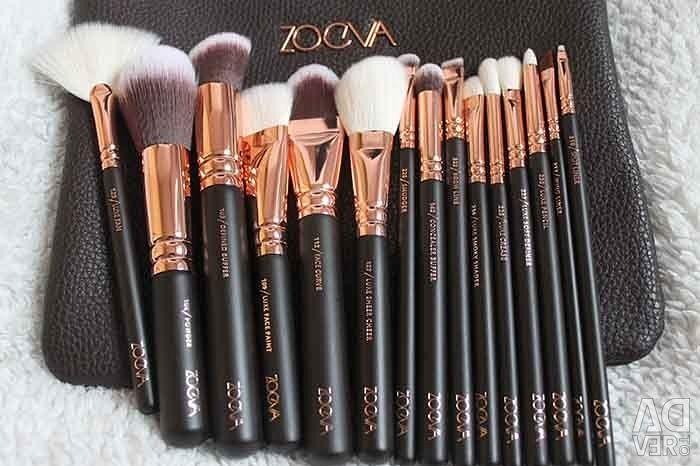 Brushes for make-up set