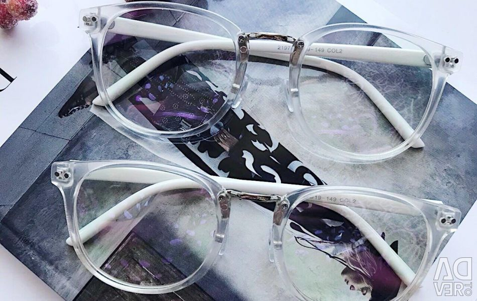 Transparent-frame fashion glasses