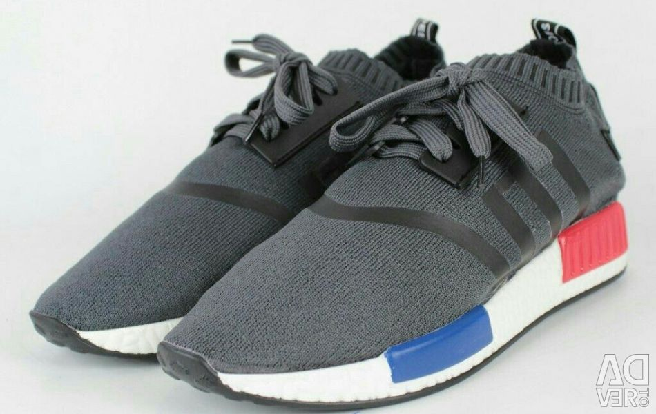 Sneakers for women (textiles)