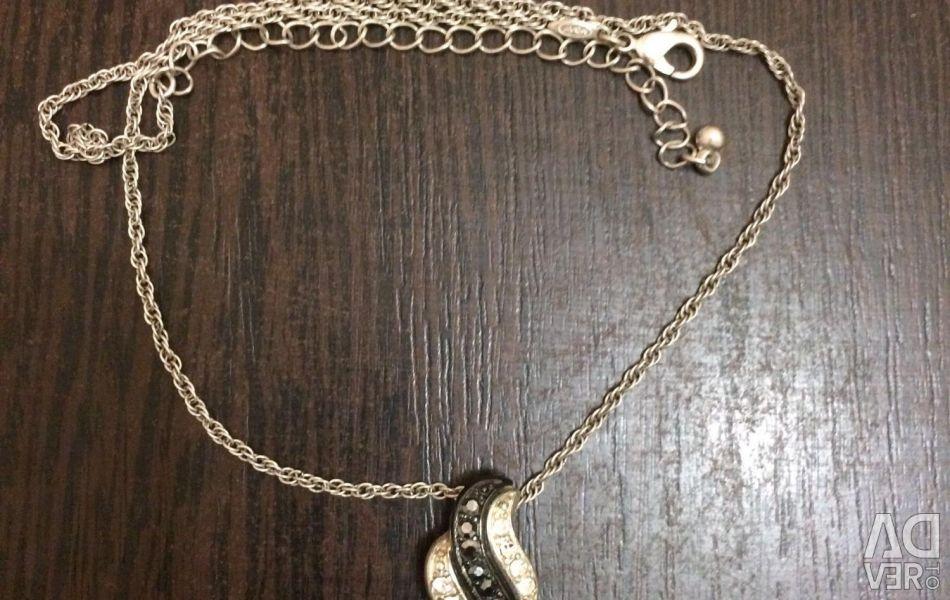 Chain + Pendant