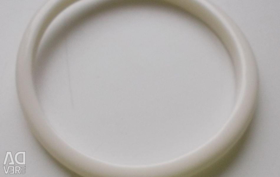 Alb brățară curbată din plastic