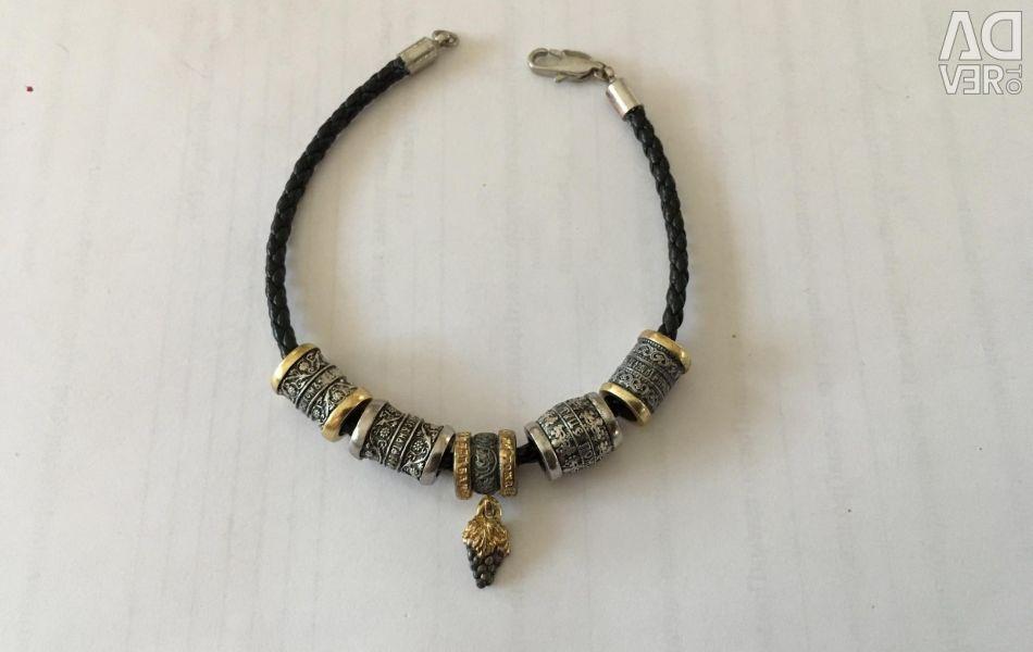 Leather bracelet with orthodox beads