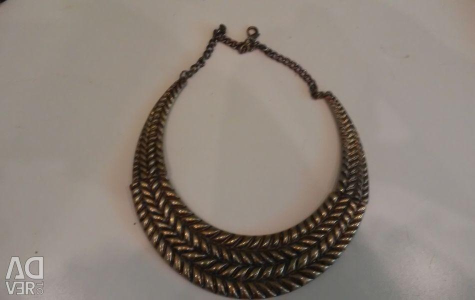 Necklace of dark gold