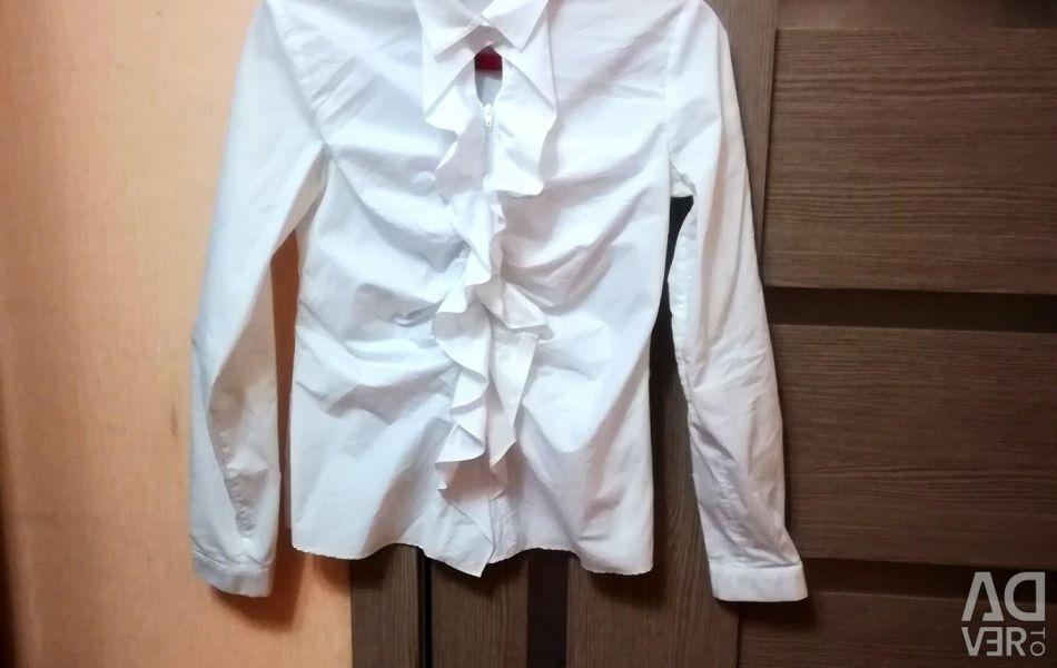 Блузка детская, материал качественный. Покупали в