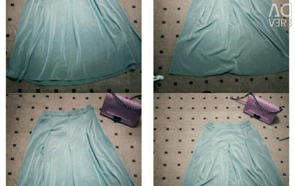 Stylish turquoise skirt