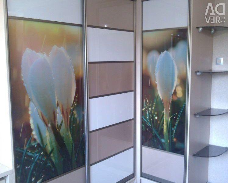 Corner wardrobe with photo printing
