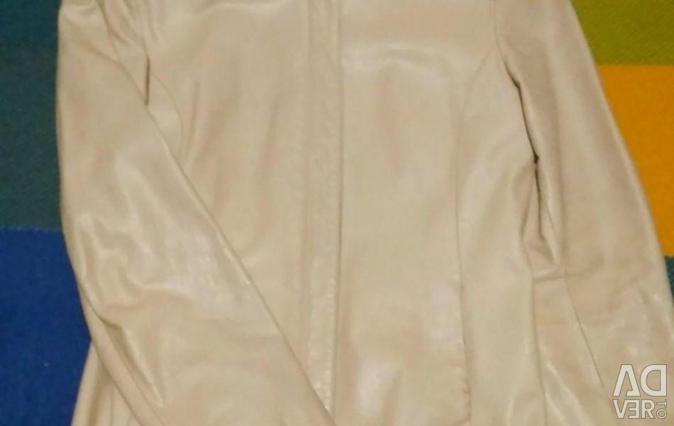 Jacheta de natura din piele.