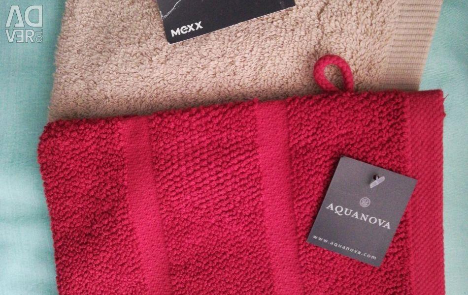 Washcloths mittens