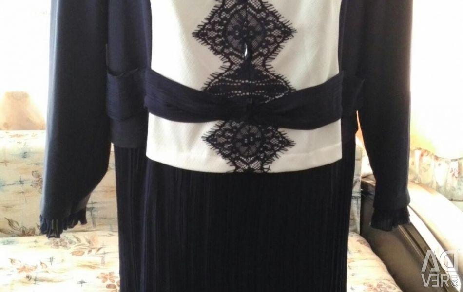 Πώληση μιας συλλογής φορεμάτων που έγιναν στη Λευκορωσία