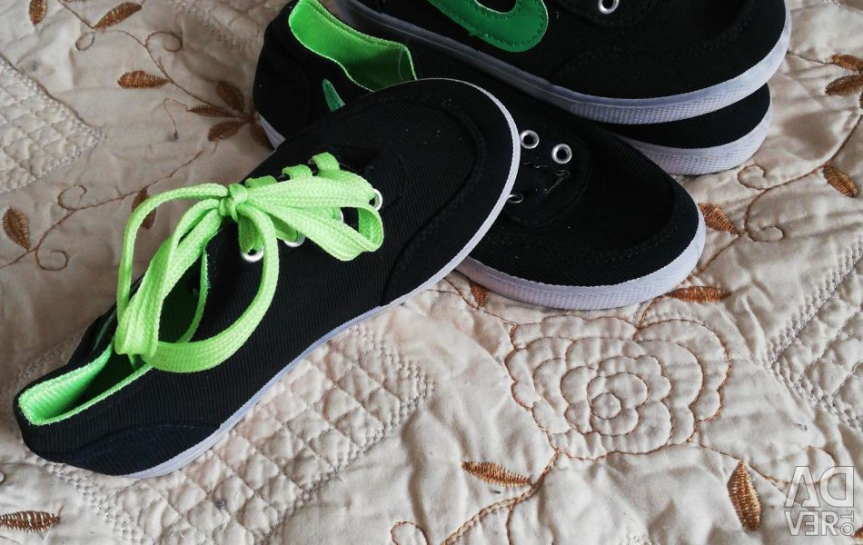 Sneakers 33.34 small new