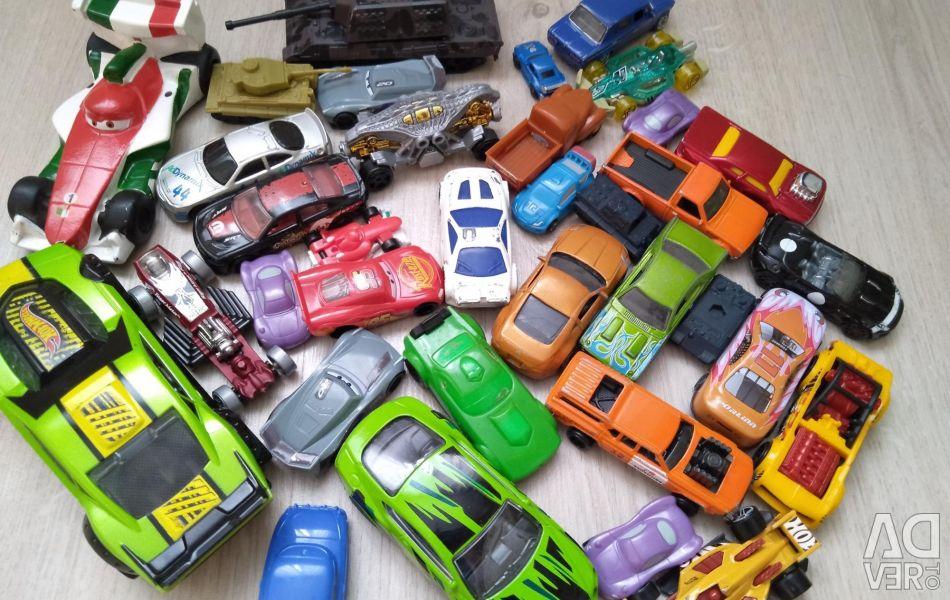 Τα αυτοκίνητα και οι δεξαμενές είναι διαφορετικά