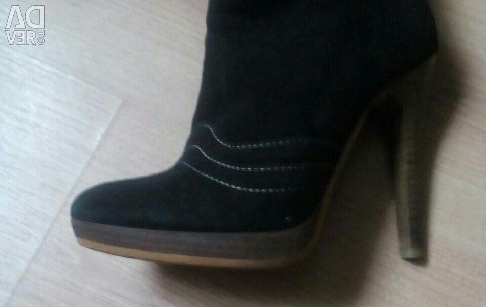 Topuklu botlar