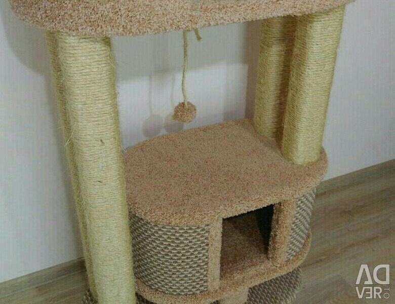 Когтеточка для кошек с домиком