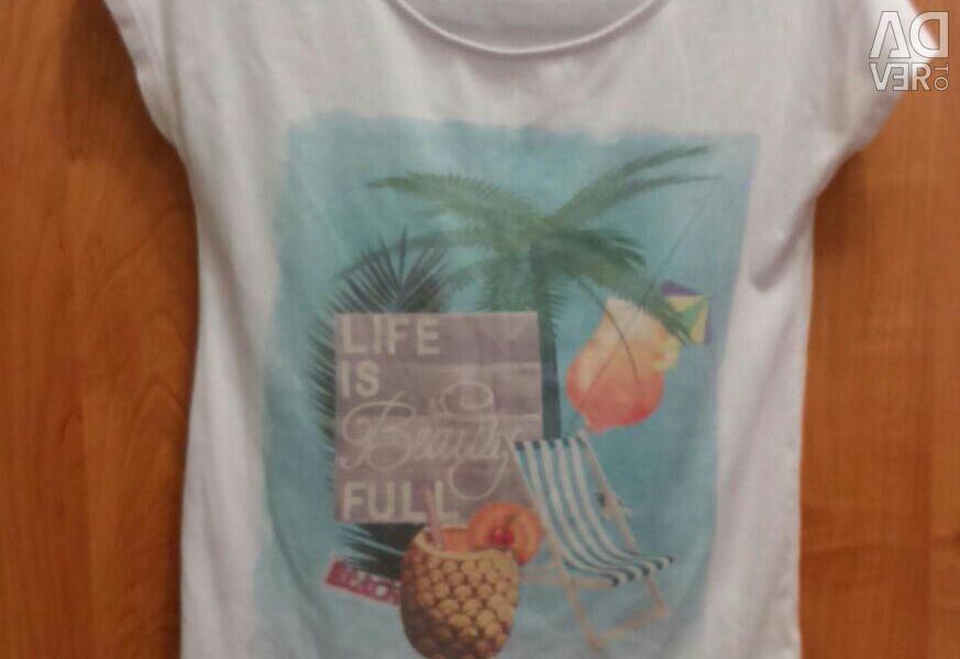 Μπλουζάκι.