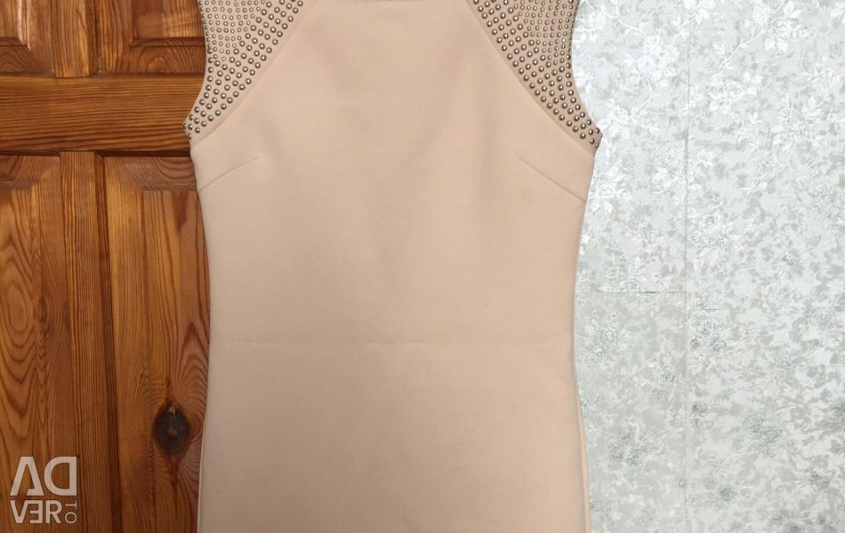 The dress is in good condition from the Christina plate