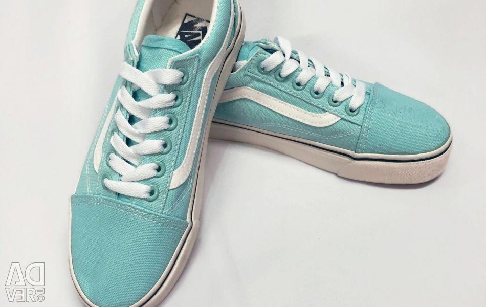 Τα αθλητικά πάνινα παπούτσια της Vans