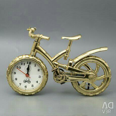 Urmăriți bicicleta de aur