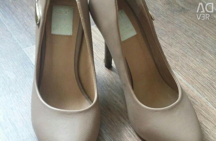 Παπούτσια, μπεζ 37