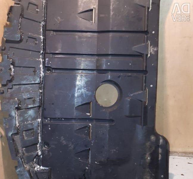 Пильник двигуна Мазда 3 БК BK