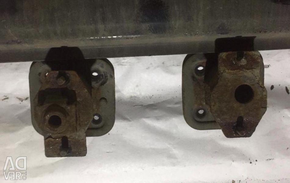 BMW bmw e60 rear bumper amplifier bracket