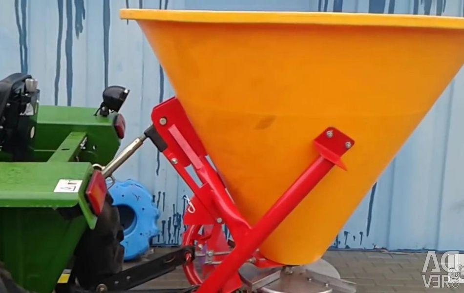 Fertilizer spreader 500 L art 02