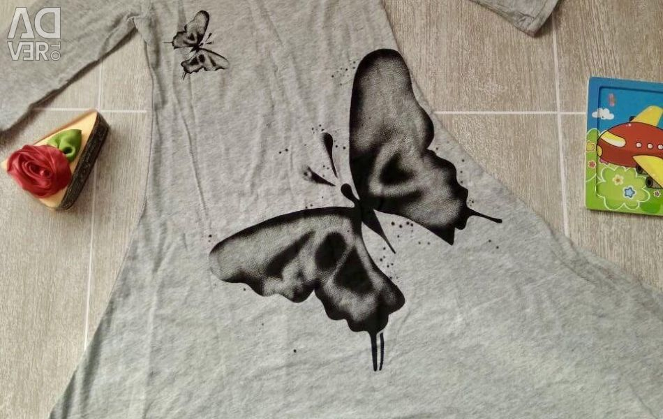 Dress for the girl with a butterfly