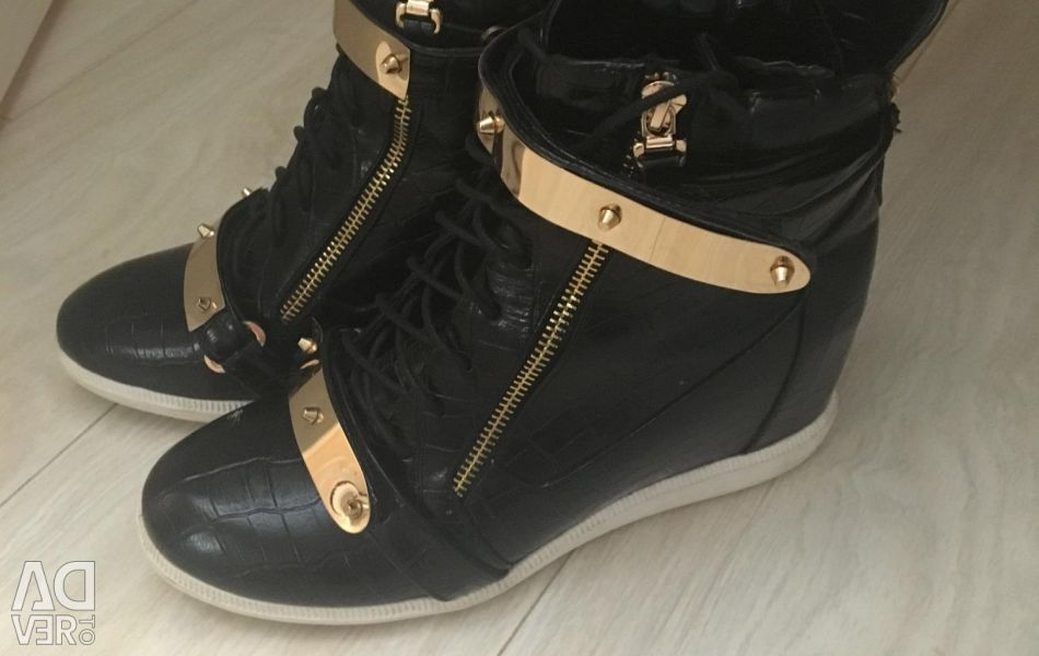 Αθλητικά παπούτσια σε σφήνα, μέγεθος 40