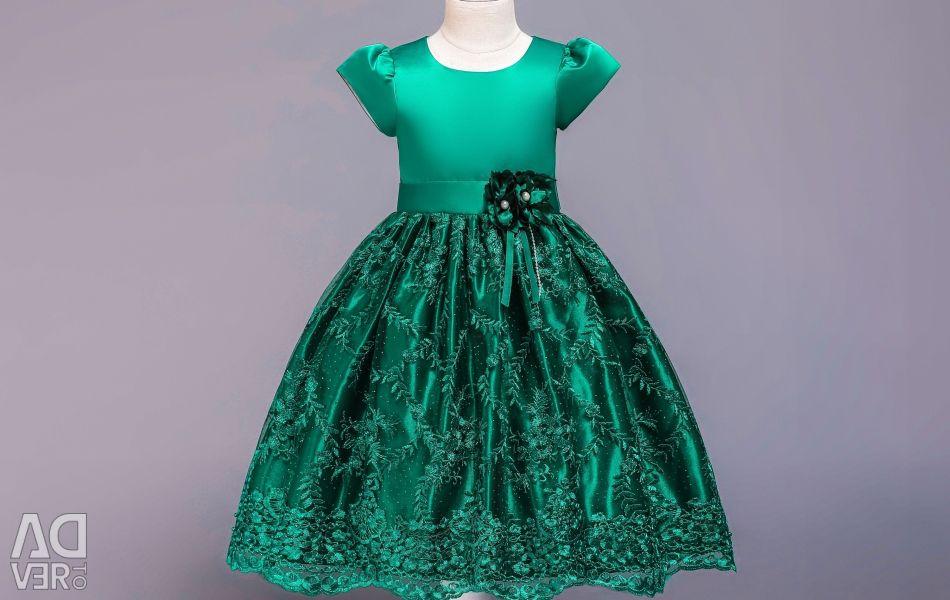 Tam etekli yeni balo elbisesi