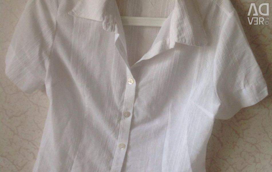White blouse shirt 46 size