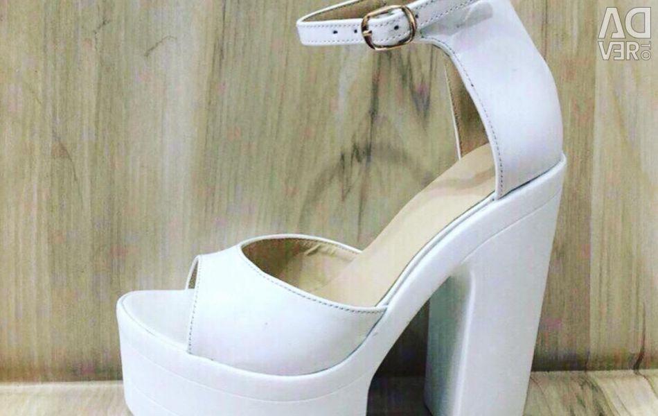 Sandale dimensiune 37 piele agreabilă