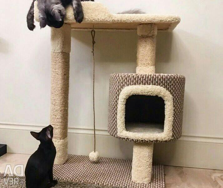 Комплекс для кошек с домиком,когтеточка