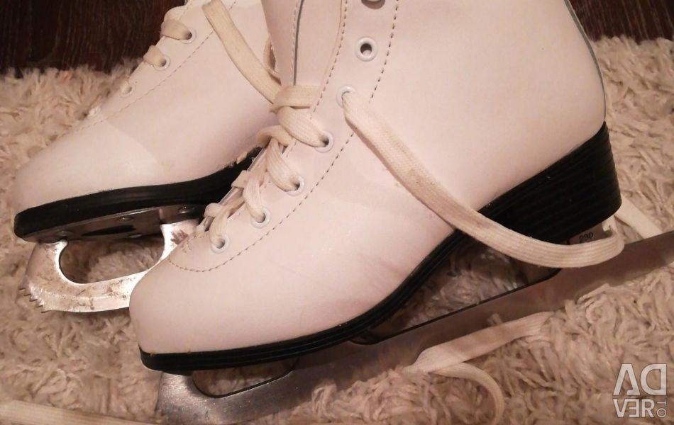 Skates 36 size