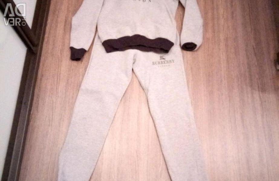 Suit size 40/42