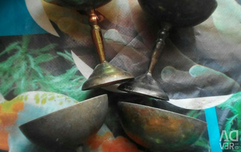 Pahare de sticlă, metalice