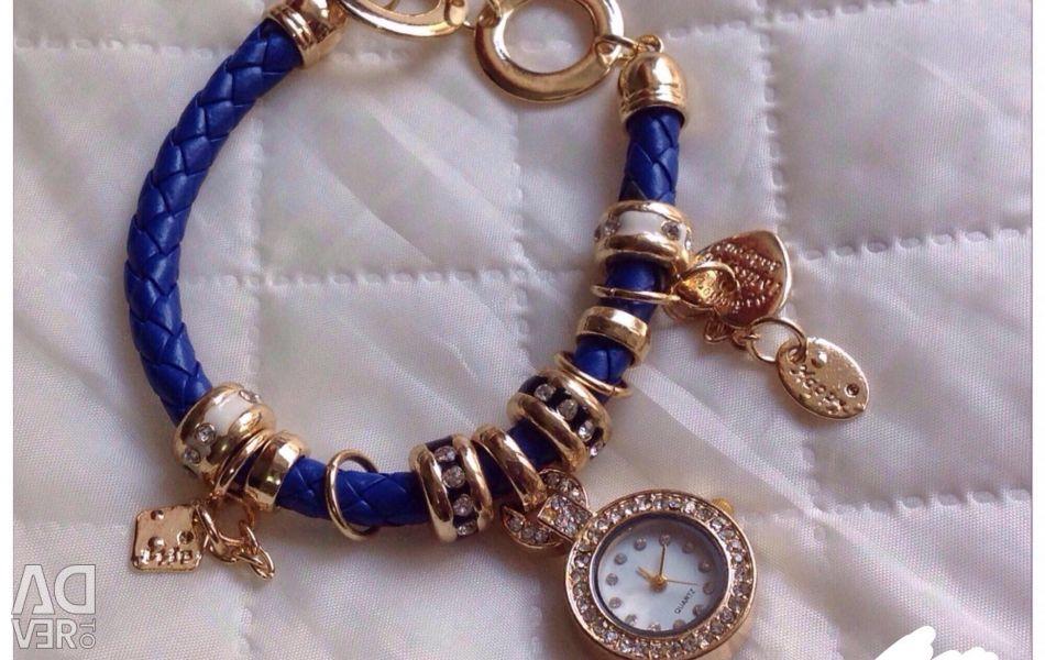 Bracelet + watch.