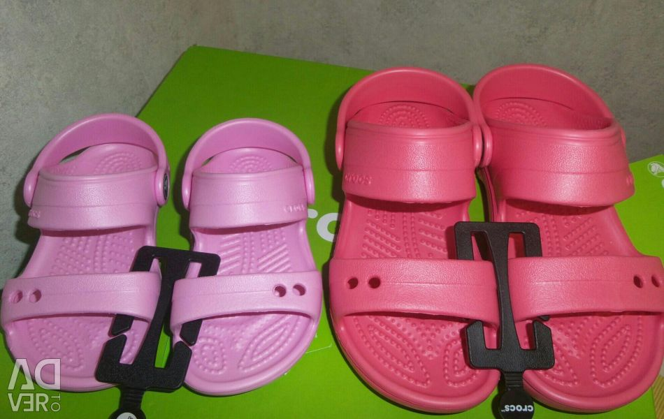 Crocs Sandals- 25,26,27,28 r-ry