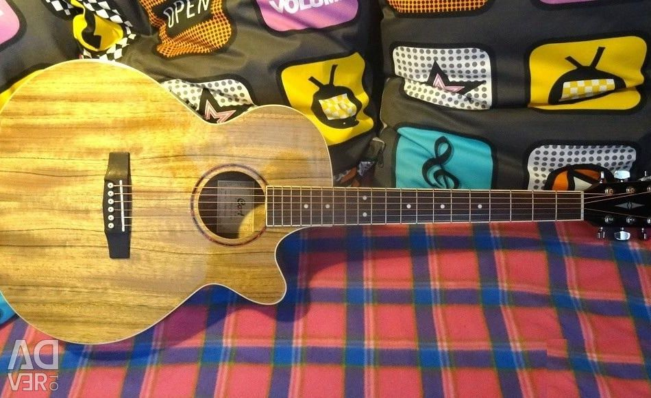 Electro-acoustic Cort guitar + Accessories