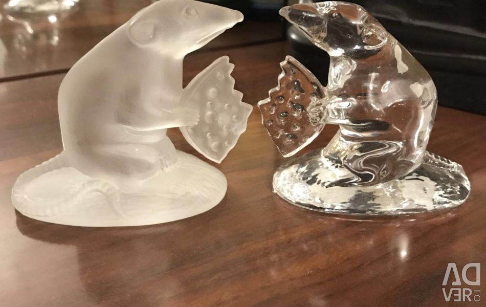 Crystal figurines of animals.